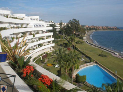 Magnificent duplex penthouse situated frontline beach